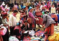 Chợ Phiên Lùng Khấu Nhin Ở Sapa