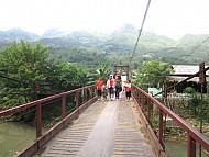Những hướng dẫn viên nhí chỉ có tại thung lũng Tả Van