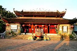 Du Lịch Tâm Linh Sapa: Đền Ông Hoàng Bảy - Sapa - Đền Mẫu